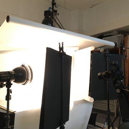 【ブツ撮り】アパレル商品撮影ライティング